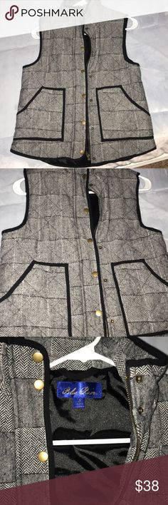 Herringbone vest Cute textured vest. Never worn! Super trendy. Francesca's Collections Jackets & Coats Vests