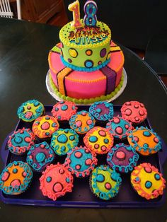 Happy birthday to my son Jay's friend Allissa! They're had a surprise party for her, all NEON, so Jay asked me to make a coordinating c. Bright Birthday Cakes, Birthday Cake For Cat, Birthday Cakes For Teens, Birthday Cupcakes, Birthday Ideas, Party Cupcakes, Happy Birthday, Birthday Design, Birthday Nails