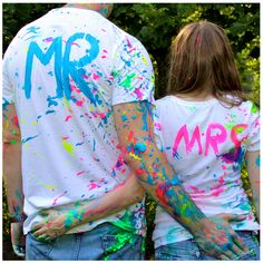 Adam and Megan had a paint fight for their engagement session. Cute Couple Poses, Couple Photoshoot Poses, Pre Wedding Photoshoot, Dream Photography, Couple Photography, Couple Painting, Couple Paint Fight, Color Fight, Holi Photo
