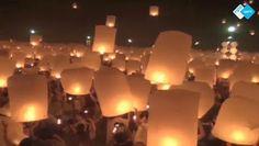 Lichtjesfestival betovert!  Een prachtig gezicht in de Thaise stad Chiang Mai. Daar lieten gelovigen en toeristen zaterdag vanuit een boeddhistisch centrum duizenden lantaarns tegelijkertijd de lucht in.  Het #ritueel is onderdeel van het religieuze festival Yi Peng, ook wel het #Festival van de Lichtjes genoemd.  http://www.spirit24.nl/#!player/share/program:46700401/group:37200368