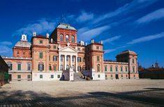 Castello Reale di Racconigi, Cuneo, Piemonte. 44°46′00″N 7°41′00″E