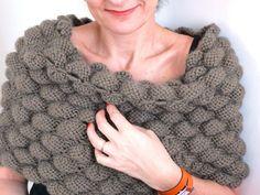 Une belle idée trouvée sur le site de Femme actuelle: le bandeau d'épaules! J'ai tout de suite été conquise par l'aspect moelleux du point...