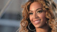 Beyoncé called in a concert for a moment of silence for Trayvon Martin, rapper Young Jeezy released a song in Martin's memory and Russell Simmons called for peace after George Zimmerman was acquitted by a Florida jury in the death of the teenager. There was a wide range of reactions from celebrities after jurors cleared [...]