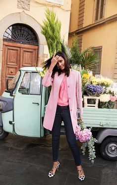 Turns out you just can't get enough of this classic, collarless style. Sienna is back and better than ever in luxurious, candy-coloured broken herringbone from an authentic Spanish mill. In the same best-selling shape (with those concealed poppers for a fuss-free finish), it's got a bright, pop-colour lining with grosgain detailing – so it looks just as good on the inside as it does out.