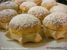 Dolci sardi: pardulas di ricotta Köstliche Desserts, Delicious Desserts, Biscuits, Food & Wine Magazine, Cheese Dessert, Biscotti Cookies, Cheese Tarts, Italian Cookies, Burritos
