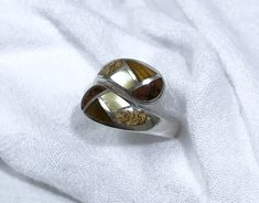 Just in: Sterling Silver Multistone Inlay Adjustible Ring Vintage https://www.etsy.com/listing/546205240/sterling-silver-multistone-inlay?utm_campaign=crowdfire&utm_content=crowdfire&utm_medium=social&utm_source=pinterest