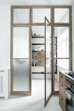 ☆   A MINIMALISTIC WOODEN KITCHEN | THE STYLE FILES: