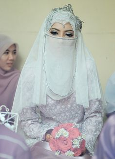 Nice Muslim Wedding Dresses What is Hijab Importance & its Reality. Muslimah Wedding Dress, Muslim Wedding Dresses, Muslim Brides, Bridal Dresses, Muslim Couples, Hijab Musulman, Beau Hijab, Muslim Hijab, Islam Muslim