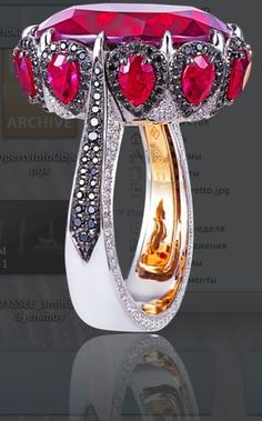 Alessio Boschi beauty bling jewelry fashion