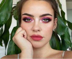 urban decay makeup fixer spray Source by realdesignermakeupideas Golden Eye Makeup, Makeup For Brown Eyes, Makeup Tips, Beauty Makeup, Hair Makeup, Makeup Tutorials, Makeup Ideas, Hair Tutorials, Urban Decay Makeup