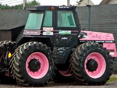 Case 2470 or 2670 from 40 years ago Pink Love, Pretty In Pink, Pink Tractor, New Holland Agriculture, Caterpillar Equipment, Tonka Toys, Heavy Machinery, Everything Pink, Cool Countries