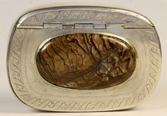 A George 111 Hard stone and Silver Snuff Box : Lot 34
