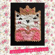 Collier Miss Kitty Reine de Cœur en perles de verre miyuki : Collier par jenny-b-creation