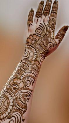 Circle Mehndi Designs, Latest Arabic Mehndi Designs, Back Hand Mehndi Designs, Latest Bridal Mehndi Designs, Mehndi Designs Book, Mehndi Designs 2018, Mehndi Design Pictures, Mehndi Designs For Beginners, Unique Mehndi Designs