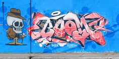 Here is another graffiti piece by in Montreal, Scien rocked the Boom piece and Klor blasted a piece. Drawing Poses Male, Graffiti Piece, Graffiti Writing, Wildstyle, Black Books, Montreal, Fonts, Posters, Graphics