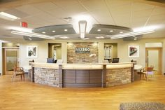 Greer Urgent and Convenient Care Office Reception Area, Reception Desk Design, Medical Office Decor, Dental Office Design, Office Designs, Chiropractic Office Design, Healthcare Design, Clinic Interior Design, Clinic Design