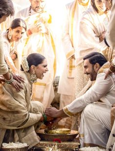 Bollywood's love birds Deepika Padukone and Ranveer Singh, popularly known as DeepVeer tied the knot on November and here is a complete detail on how Deepveer looked on their wedding and recepti. Bollywood Couples, Bollywood Wedding, Bollywood Celebrities, Bollywood Actress, Bollywood Stars, Bollywood Fashion, Wedding Sarees, Indian Bollywood, Indian Sarees