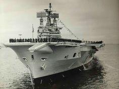 British Aircraft Carrier, Hms Ark Royal, Villas, Navy Aircraft, Flight Deck, Navy Ships, Submarines, Press Photo, Royal Navy