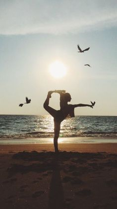 yoga inspiration yoga _ yoga poses for beginners _ yoga poses _ yoga fitness _ yoga quotes _ yoga inspiration _ yoga photography _ yoga room Yoga Meditation, Yoga Bewegungen, Yoga Pilates, Namaste Yoga, Ashtanga Yoga, Yoga Inspiration, Yoga Fitness, Health Fitness, Power Yoga