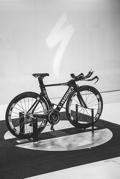 Specialized Wind Tunnel love s-work bikes Bicycle Race, Bike Run, Motorcycle Bike, Specialized Road Bikes, Specialized Shiv, Mtb, Garage Bike, Skate, Cool Stuff