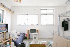 DIYした無機質な雰囲気の部屋