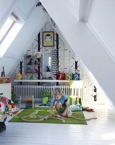 Utilize o espaço do sótão como quarto para os mais pequenos