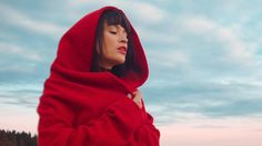 Irina Rimes - Octombrie Roșu (Red October) | Official Video Beautiful Songs, Love Songs, Cavalier King Charles, Charles Spaniel, Itunes, Raincoat, Turtle Neck, Graphic Sweatshirt, Singer
