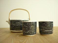 Marimekko. Rasymatto teapot and cups