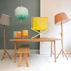 La maison d'édition et de meubles Colonel nous présente sa toute nouvelle collection inspirée de l'esthétique du mobilier de plage. Cette série imaginée par Isabelle Gilles et Yann Poncelet se compose de deux lampes, d'un ensemble table et banc et de déclinaisons d'un luminaire et d'une chaise issues de la dernière collection.