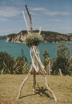 NZ-rue-de-seine-danelle-bohane-new-zealand-backyard-wedding-inspiration-daisies52