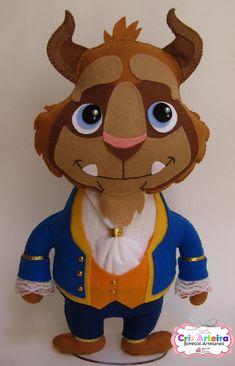 BOnecos Bela, Fera e príncipe, confeccionados em feltro.  * kit com 3 bonecos, um de cada personagem.