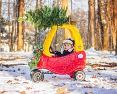 Creative and Cute Photo Ideas for Baby's First Christmas - Baby christmas photos - Baby