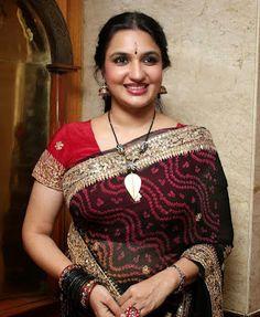Ammavin Kamaveriyai Othu theertha Magan Kathai  #suganya #hotactress #sexyaunty #auntyphotos #auntypics