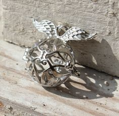 Anhänger+Engelsrufer+aus+Messing+Silberfarben+von+LI-LA-LAUNE-Beads+auf+DaWanda.com