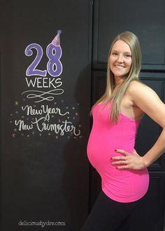 28 weeks pregnancy chalkboard tracker #babybump #chalkboardart #28weeks {little baby garvin inspired}