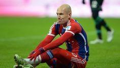 Arjen Robben mengakui cedera yang dialaminya di musim lalu merupakan pukulan besar didalam karir sepakbolanya, dikarenakan tidak berhasil memberikan yang terbaik mendekati musim akhir dan membiarkan tim Bayern Munich gagal bersaing - See more at: http://sahabatarena.com/robben-cedera-selalu-datang-terakhir/#sthash.L5ZDsUuD.dpuf