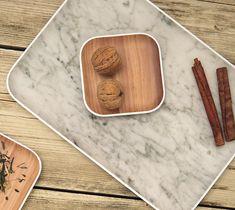 De dienbladen van Zakdesigns zijn erg licht van gewicht wat het erg praktisch maakt om te voor serveren. Op het eerste oog lijkt het dienblad op echt hout. Maar wanneer je het blad vast pakt merk je dat dit niet het geval is. Serveer in stijl met de producten van Zakdesigns Osmos! Bamboo Cutting Board, Nars, Design, Products, Trays, Timber Wood, Gadget