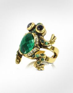 I found my prince! Alcozer & J Brass and Emerald Frog Ring. #celebstylewed