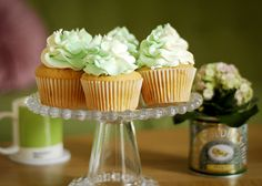 I absolutely love wasabi and these wasabi and white chocolate cupcakes have me absolutely fascinated!
