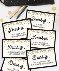 Låt folk sätta sig när de inte dricker längre. Sista att sätta sig får en shot/medalj/partyglasögon... http://tipsalud.com New Years Eve Party Ideas - New Years Eve Drinking Game by CreativeUnionDesign