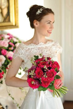 David Austin Roses - Kate roses are used with stocks, arum lilies, virburnum tinus and ruscus in a scented bouquet. Pink Bouquet, Bridesmaid Bouquet, Wedding Bouquets, Rose Wedding, Wedding Flowers, Dream Wedding, Garden Wedding, Wedding Hair, Hot Pink Weddings