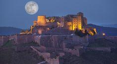 ♥泊まってみたい『スペインの #パラドール』 ➡euro-tour.co.jp/parador/ 「パラドール・デ・カルドナ」 9世紀の城、2世紀の塔が備わる、お伽話に出てくるような宿泊施設。カタルーニャ地方のパノラマ景観を一望♪