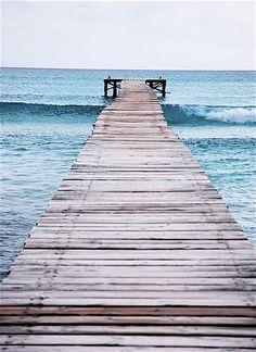 Känslan av att springa nerför en brygga och kasta sig i havet