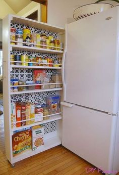 Cheap, Easy and Simple Ways to Organize your Tiny Apartment 51