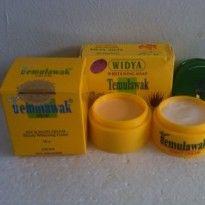 Cream TemuLawak Asli adalah cream yang di formulasikan untuk perawatan wajah yang indah serta alami.