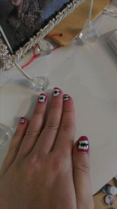 Nails with Teeths
