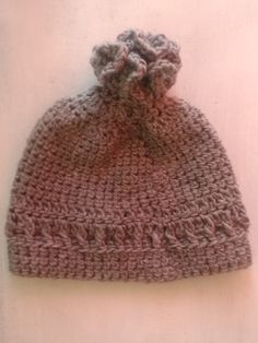 bonnet au crochet gris foncé réalisation artisanale : Chapeau, bonnet par chely-s-creation