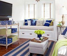 wohnideen fensterbank wohnzimmer schönes ambiente dekokissen teppich