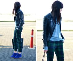 Shades of blue (by Lucy De B.)