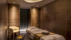 Four Seasons Hotel at Ten Trinity Square: A Hotel in London's Historic Heart with Spacious Accommodations - Tripnavy Home Spa Room, Spa Rooms, Spa Interior Design, Spa Design, Design Ideas, Spa London, Spa Treatment Room, Spa Lighting, Luxury Spa